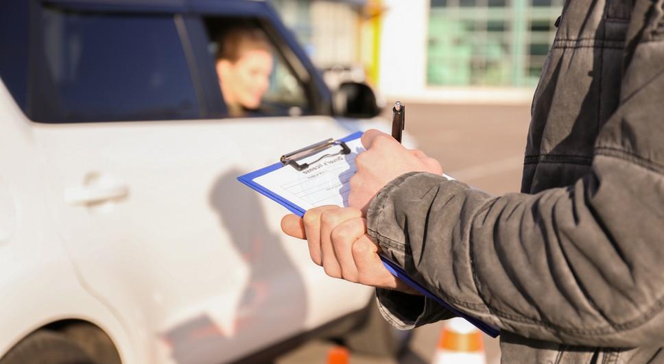 Возможно ли продлить права если водителю 65