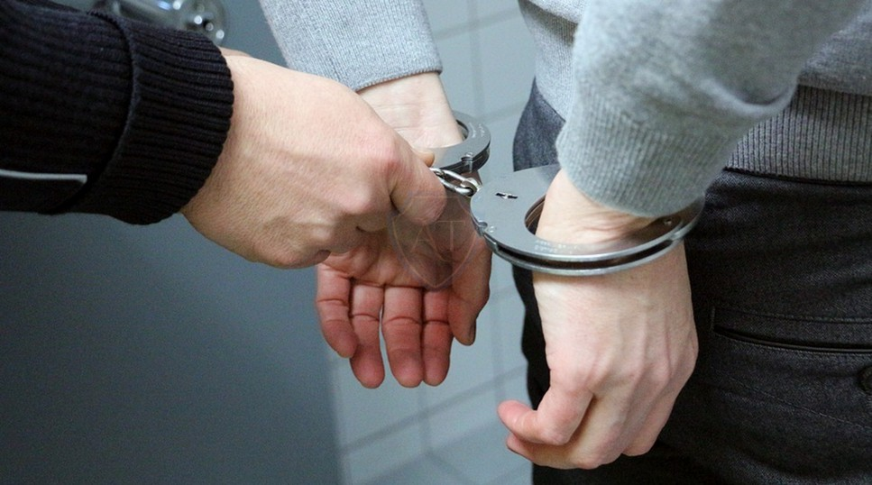Арест за отказ от досмотра