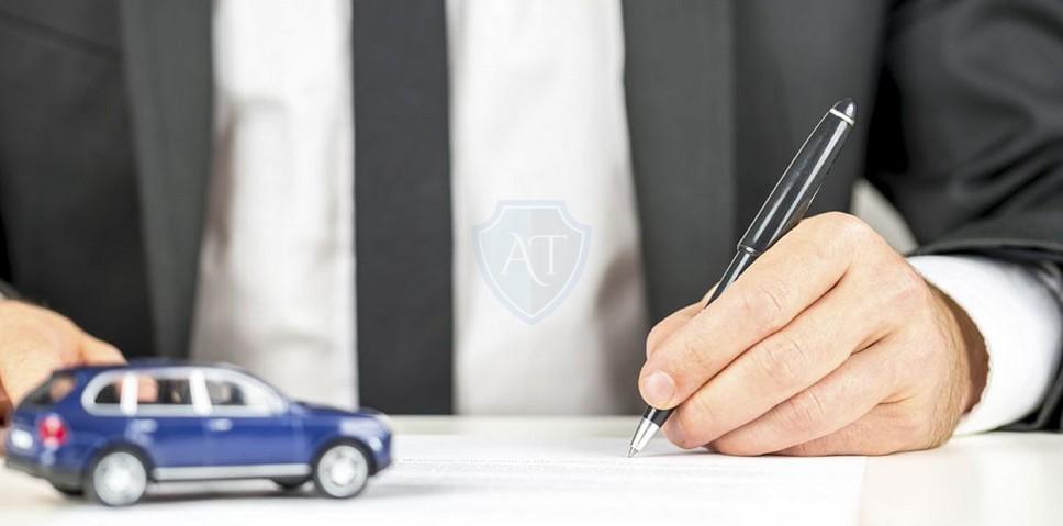Пишет доверенность на автомобиль