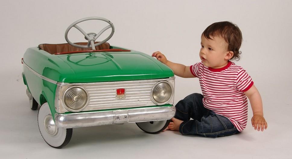 Ребёнок и машина