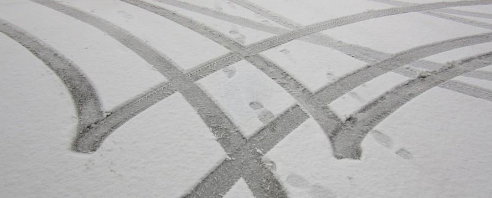 Зимой на летней резине: какие требования и штраф на?