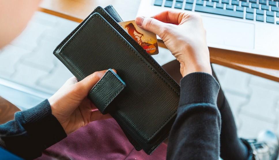 Долги списывают с банковской карты долги у судебных приставов хакасия