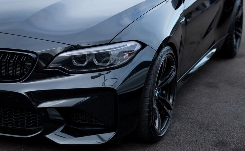 Спортивный бампер на BMW как внесение изменений в конструкцию
