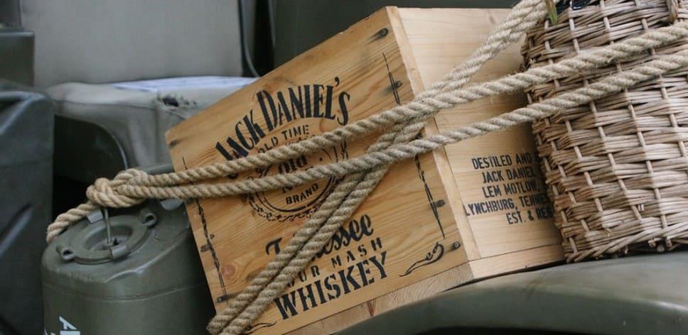 Перевозка спирта, самогона и алкоголя по правилам в багажнике автомобиля