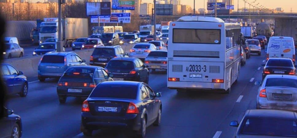 Законна ли езда в России с номерами без флага