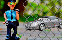 Арест авто приставом